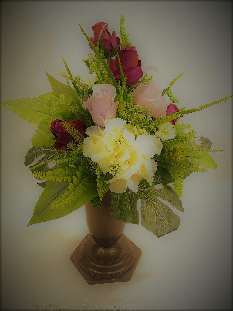 Bukiet z hortensji i róż