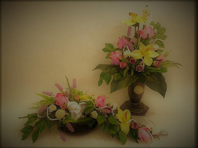 Bukiet i stroik z orchidei i róż